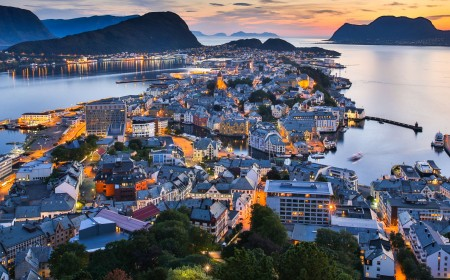 Norway: Culture and Nature between Two Seas
