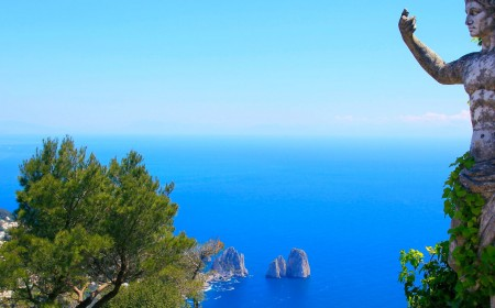 A Romance with Naples, and Capri A Piacere