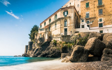 Neapolitan Glamour and Passion in the Amalfi Coast
